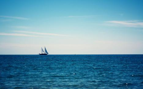 symple-hd-simple-nature-sea-sky-yacht-ship-free
