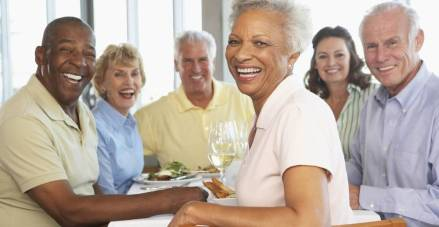 large-diverse-group-of-older-people-seattle-independent-living