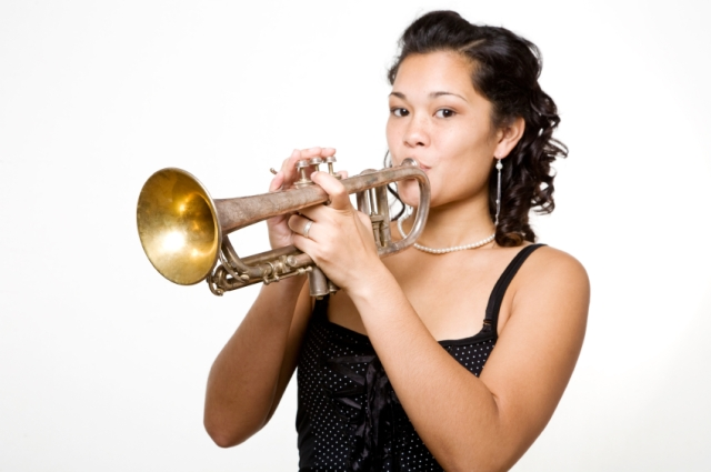woman-and-trumpet