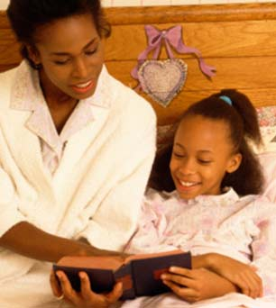african-american-woman-reading-daughter