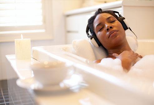 woman-relaxing-in-bubble-bath-1