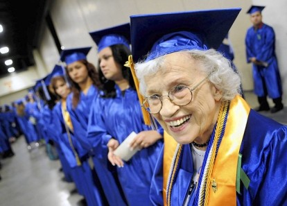 Ft. Lauderdale--- fl-elder-college-graduates-1214d---Betty Reilly, age 85, waits with fellow graduates at Wednesday night's Broward College commencement at the Broward County Convention Center. Robert Duyos Sun-Sentinel